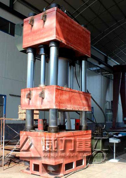 1200吨大型四柱液压机图片